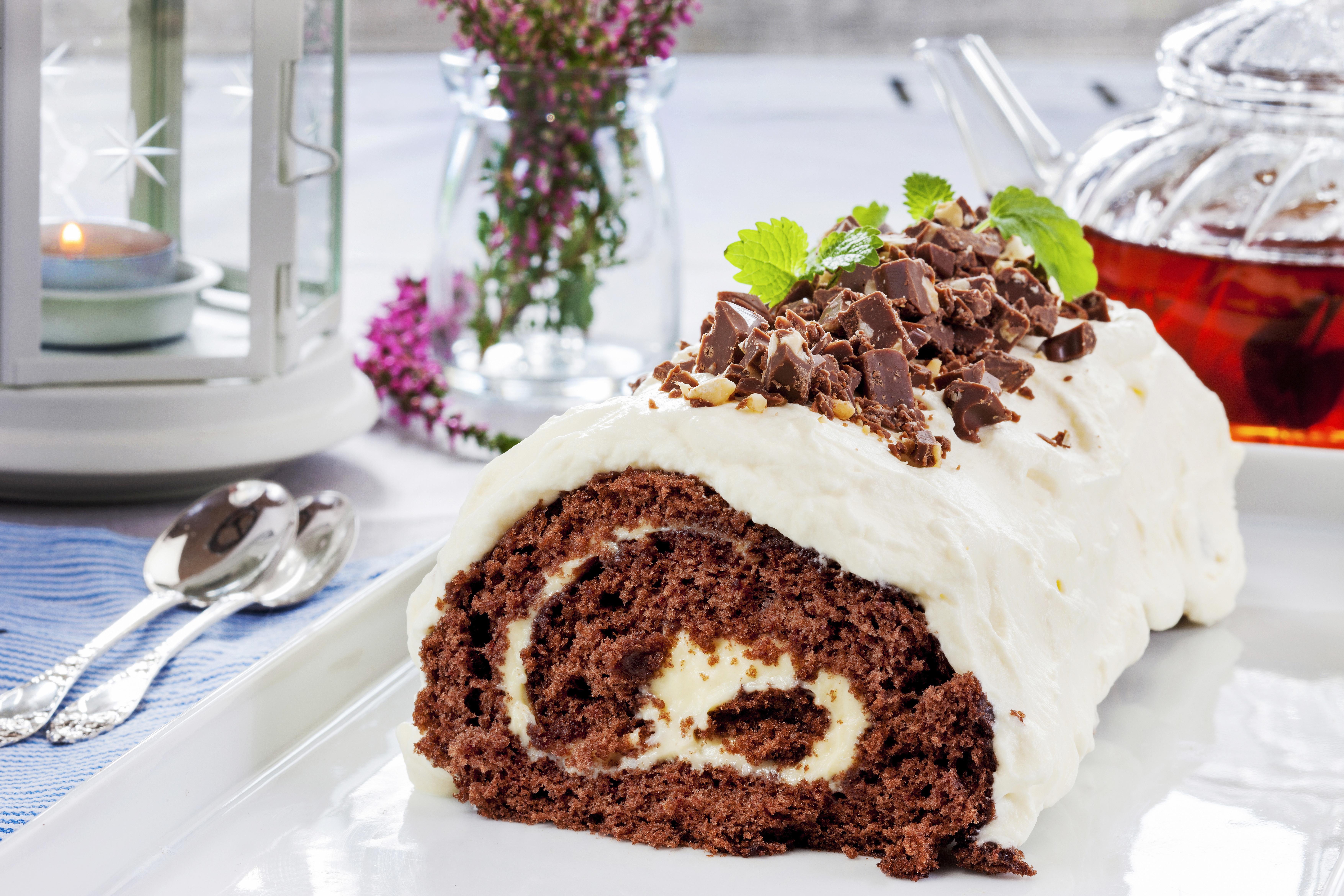 kake med vaniljekrem og sjokolade