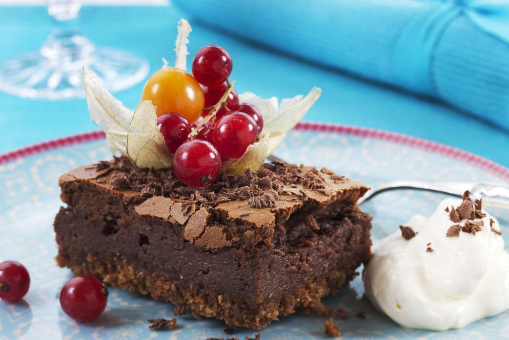 Hva er vel bedre enn mørk sjokolade og kaffe? Her er denne uslåelige kombinasjonen brukt i en deilig, kremet ostekake. Definitivt for sjokoladeelskere!
