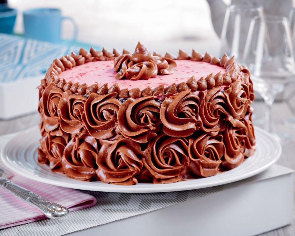 Deilig sjokoladekake med bringebærfyll