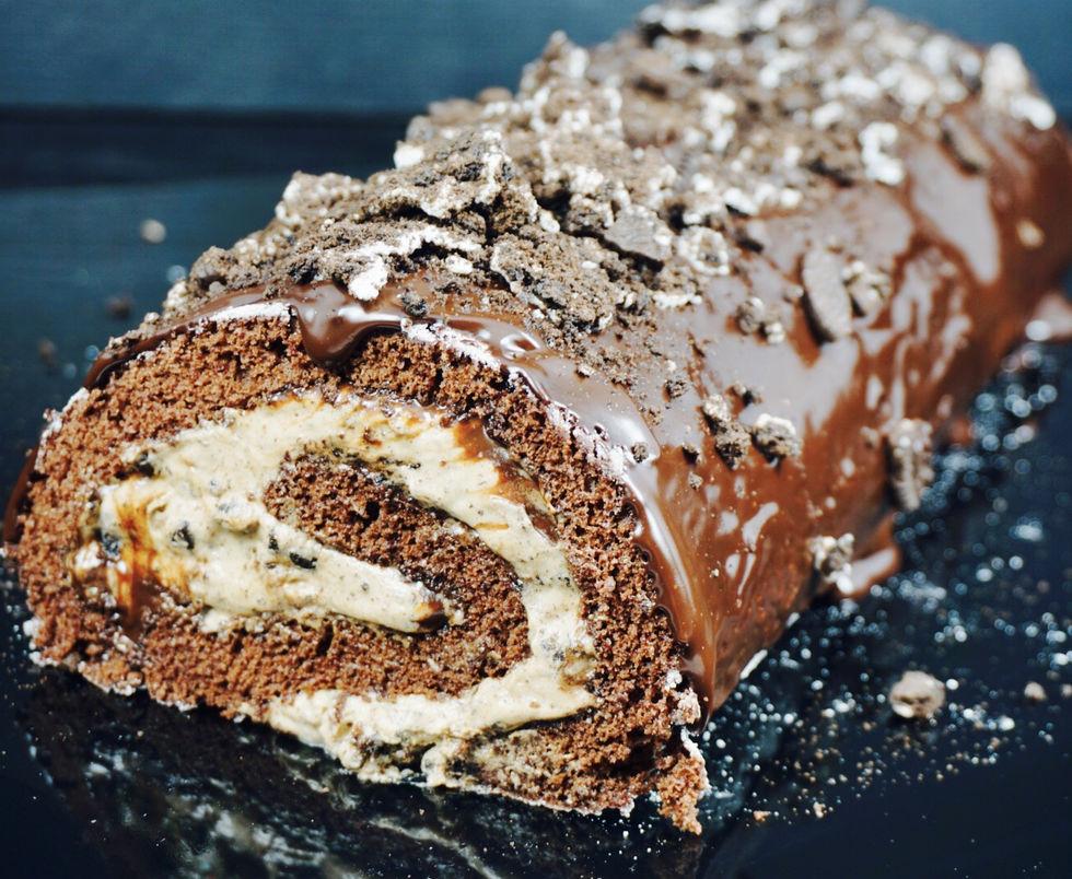 Sjokoladekakerull med oreo og nougat