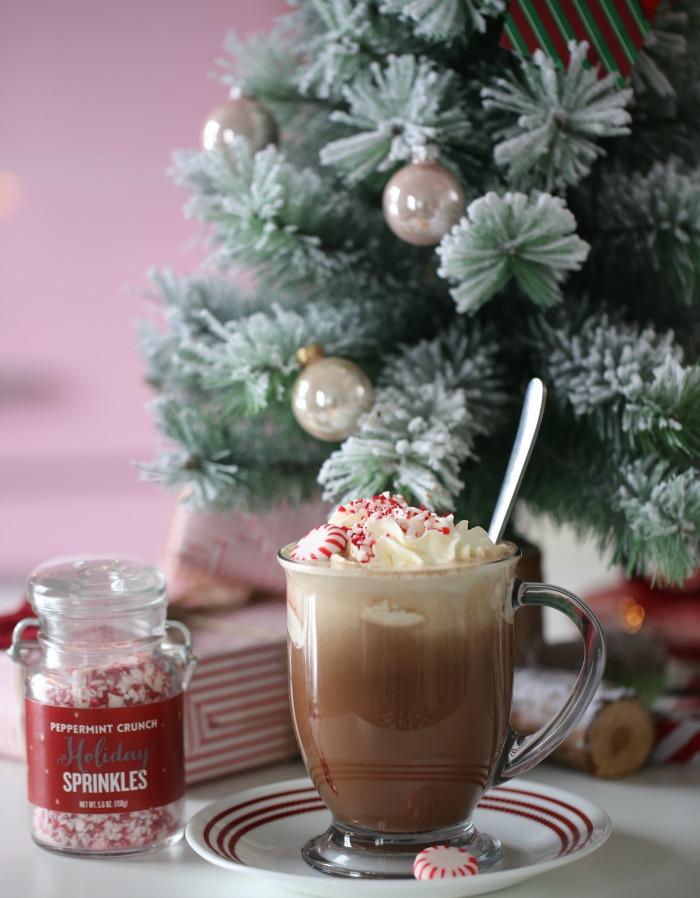 Mocha latte med peppermyntesmak