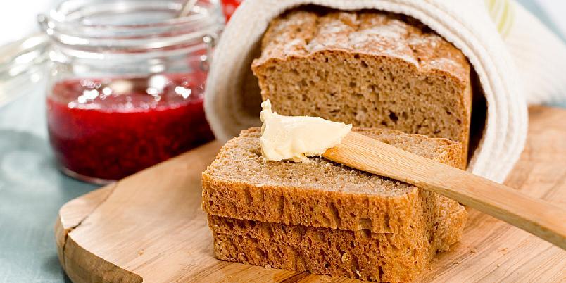 Knepene for et perfekt, grovt speltbrød